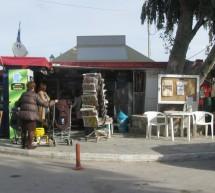 Στο στόχαστρο του Δήμου Πειραιά τα περίπτερα που επεκτάθηκαν παράνομα