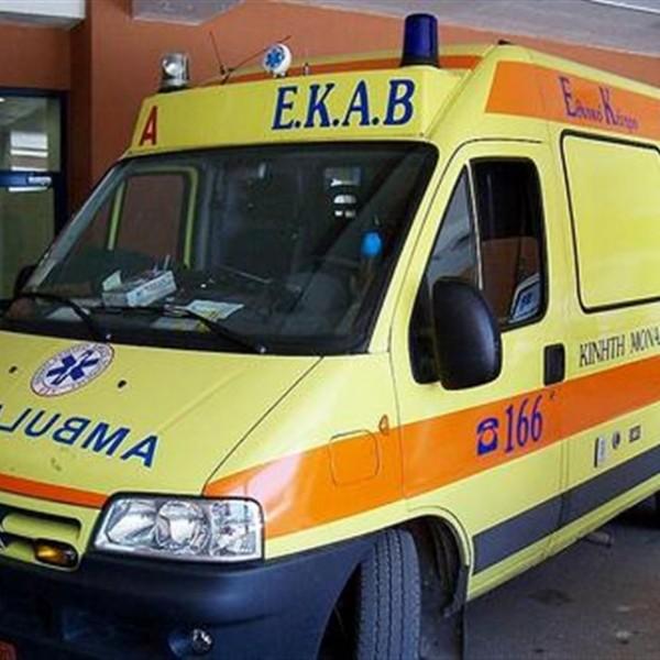 Νεκρός ο επιβαίνων στο ΙΧ που έπεσε στο Βουρκάρι Σαλαμίνας