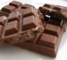Πρόστιμο στα Kαρφούρ Μαρινόπουλος για τα σκουλήκια στη σοκολάτα