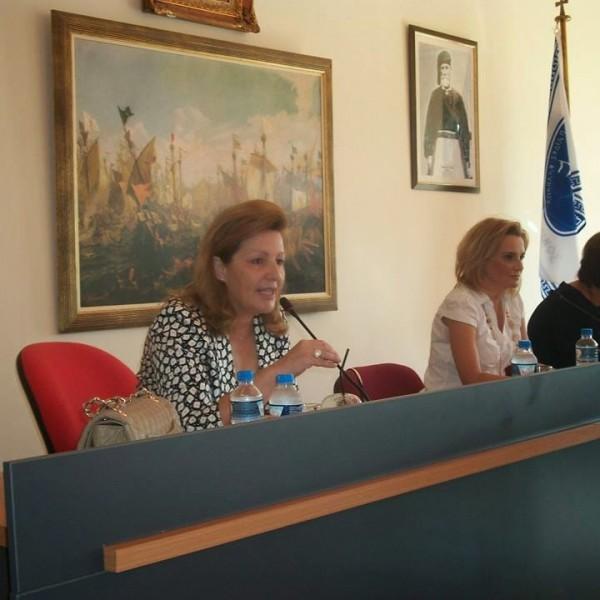 Την παραίτηση της Δημάρχου Σαλαμίνας ζητά ο Γ. Τσαβαρής