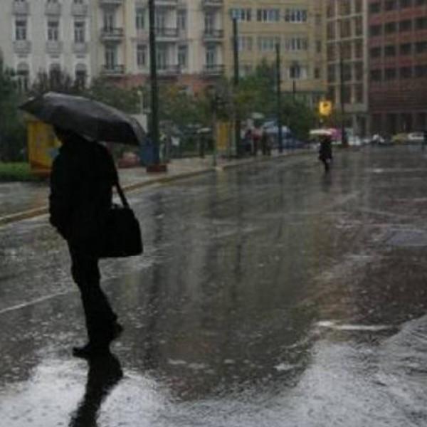 Έκτακτο δελτίο επιδείνωσης καιρού: Βροχές και καταιγίδες μέχρι και την Παρασκευή