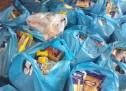Διανομή τροφίμων ΤΕΒΑ σε Νίκαια και Πειραιά