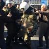 """""""Ξύλο και χημικά στους συνταξιούχους από τα αριστερά ΜΑΤ του Τσίπρα"""""""
