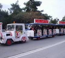 Εορταστικό τρενάκι στο εμπορικό κέντρο του Κερατσινίου