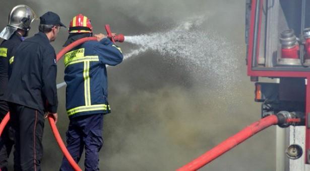 Πειραιάς: Φωτιά στις γραμμές του ΗΣΑΠ