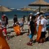 Μαθητές στον εθελοντικό καθαρισμό στην παραλία Βοτσαλάκια
