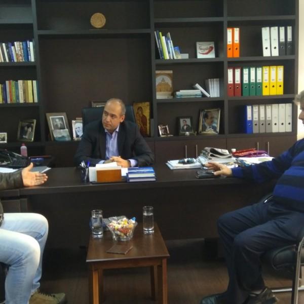 Συνάντηση Μπουτσικάκη με το προεδρείο του Συνδικάτου Ιδιοκτητών Ταξί Πειραιά