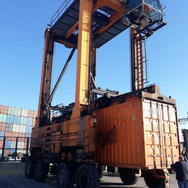 Επίσημη κράτηση φορτίου 17,5 τόνων ζωοτροφών στο τελωνείο του Πειραιά