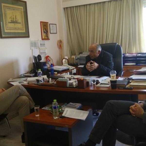 Συνάντηση Μπουτσικάκη με αντιπροσωπεία της ΠΕΑΘΕΝ