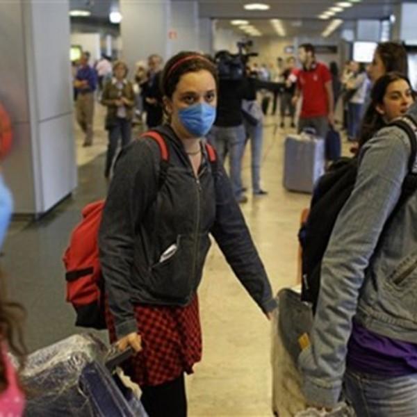 Μάσκες: Δεν προστατεύουν, εθίζουν στον κοινωνικό φόβο