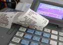 Εφοδοι της Οικονομικής Αστυνομίας σε καταστήματα της Σαλαμίνας για εργατικές και φορολογικές παραβάσεις