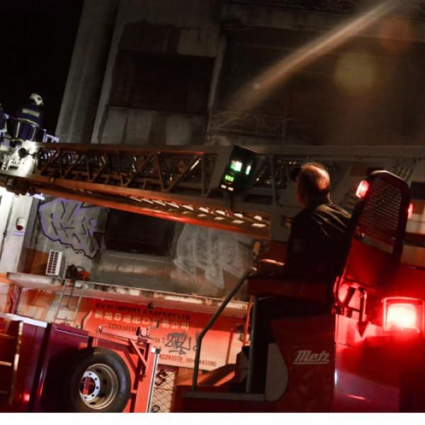 Δύο τραυματίες από τη φωτιά στο Νέο Φάληρο