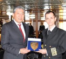 To Olympus πρώτο πλοίο της χρονιάς στο λιμάνι του Πειραιά