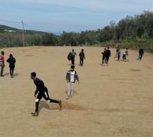 Μόρια: Άθληση, πλιάτσικο οικοσκευών και κόψιμο ελαιόδενδρων