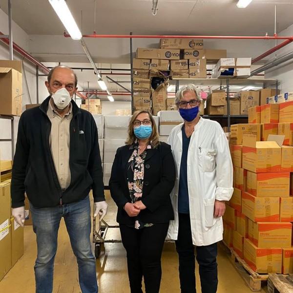 Μάσκες, γάντια και στολές στο Τζάνειο από το Μουσείο Μεταλλείας Μεταλουργίας Λαυρίου