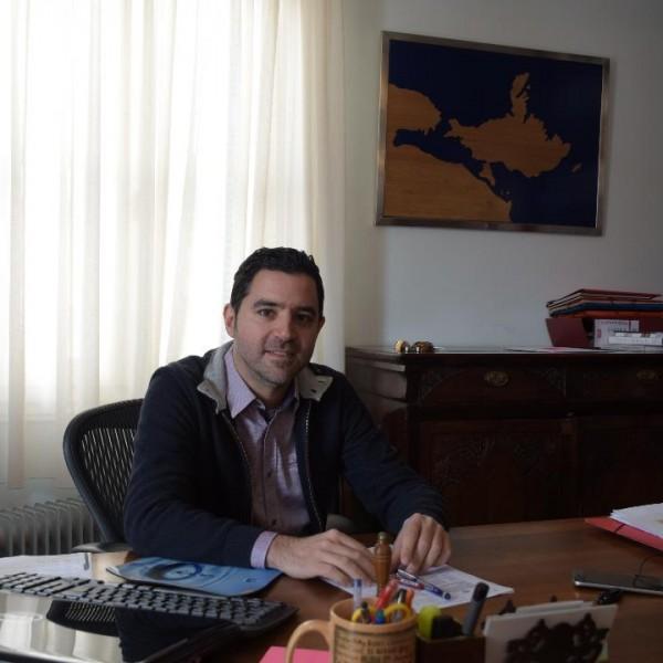 Πόρος: Ο Δήμαρχος αφυπνίζει τους βουλευτές για τα ιχθυοτροφεία