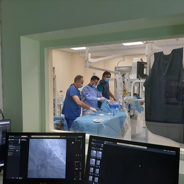 """Τζάνειο: """"Αγκάθι"""" η προμήθεια κλινών στη νέα Καρδιολογική Κλινική"""