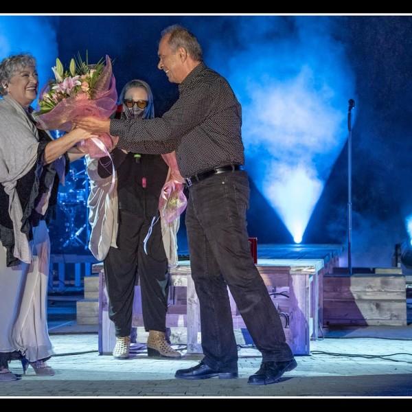 «Τα Σχήματα των Αστεριών έλαμψαν στο Κατράκειο θέατρο