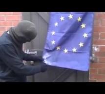 Νεοναζί… παλεύει να κάψει σημαία της Ε.Ε.