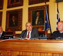 """Αποχαρακτηρισμό των οικοπέδων στον Καραβά εισηγήθηκε στο Δ.Σ. ο δήμαρχος Πειραιά – """"Πρέπει να λήξει η ομηρία των ιδιοκτητών τους"""""""