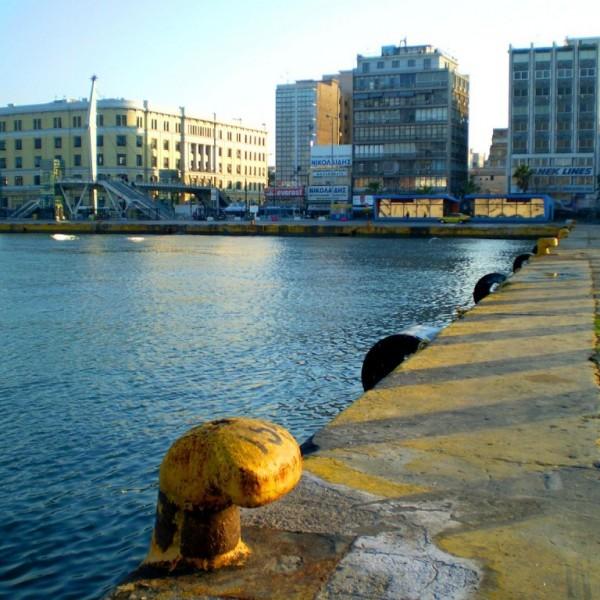 Πτώση αυτοκινήτου στον Πειραιά