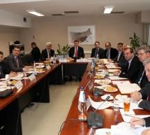 Τετ-α-τετ με Παπαδήμο και κορυφαίους υπουργούς για τις περικοπές στα έσοδα των Περιφερειών ζητά ο Γ. Σγουρός