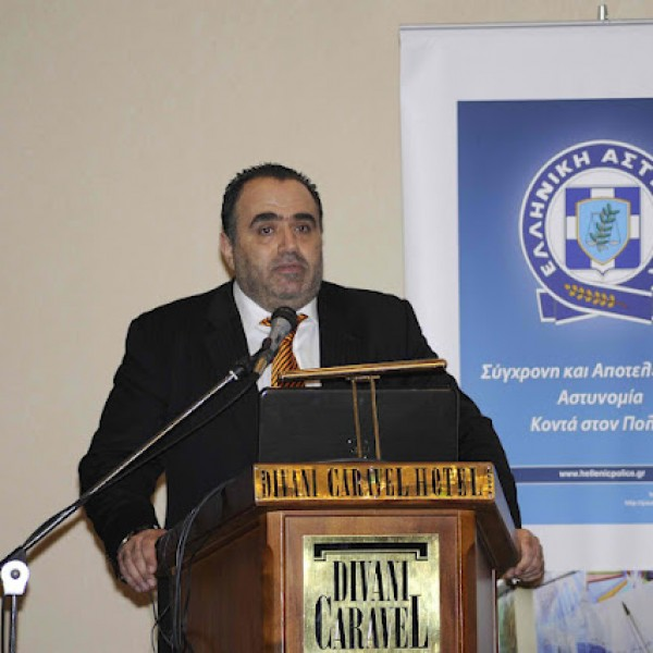 Ο Μανώλης Σφακιανάκης για το cyberbullling στον Δήμο Νίκαιας