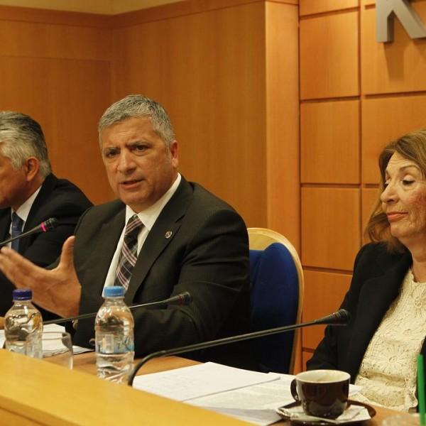 ΚΕΔΕ: Αποφασίζει σήμερα για τα ταμειακά διαθέσιμα των Δήμων