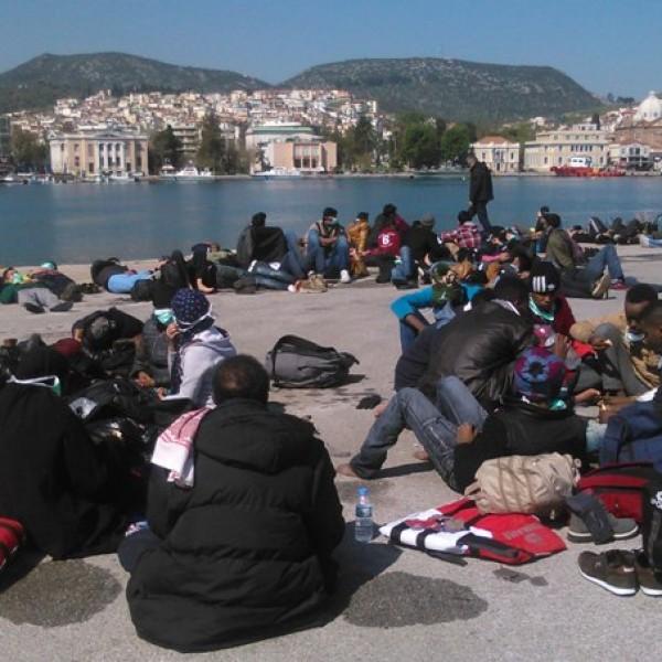 280 λαθρομετανάστες αφίχθησαν στο λιμάνι του Πειραιά