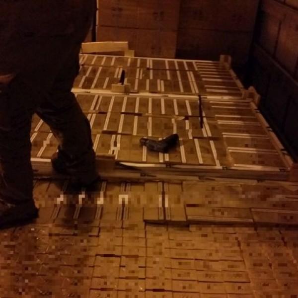 Μεγάλη ποσότητα λαθραίων τσιγάρων κατασχέθηκε στην Ηγουμενίτσα