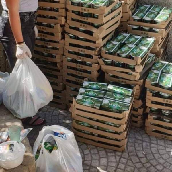 Unesco Πειραιώς: Πάνω από 2.000 πακέτα με τρόφιμα σε άπορες οικογένειες