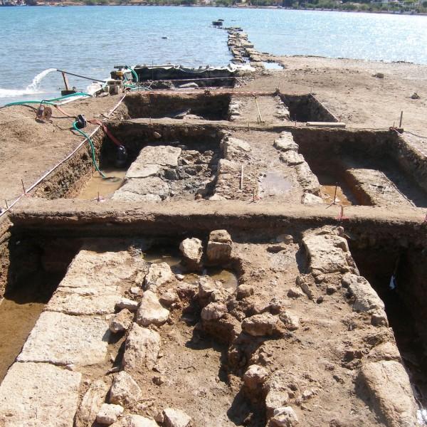 Σαλαμίνα: Βρέθηκε μέρος του επιθαλασσίου τείχους της Κλασικής πόλης