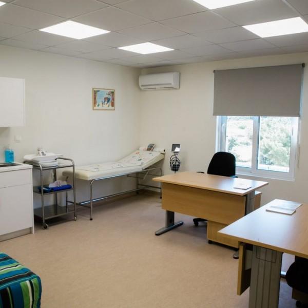 Χωρίς ιατρικά μηχανήματα η νέα πτέρυγα του Κέντρου Υγείας Σαλαμίνας